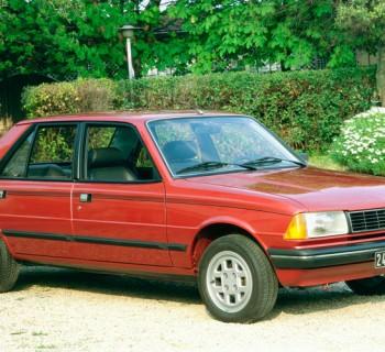 Peugeot_305