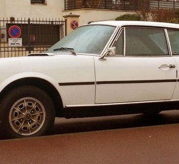 Peugeot_504_Coupe_00