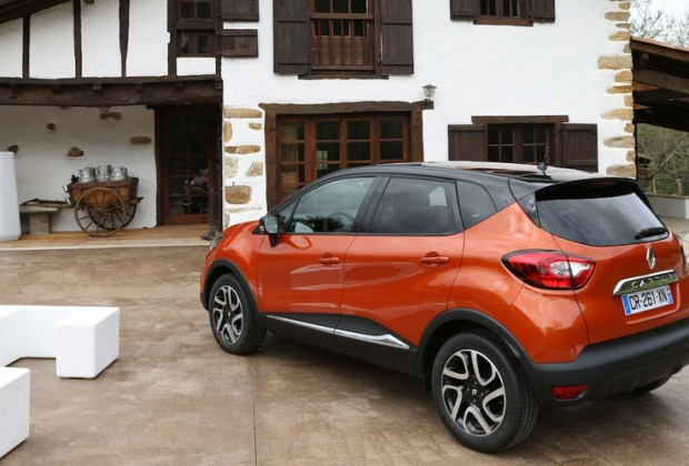 essai renault captur l orange m canique tout chemin. Black Bedroom Furniture Sets. Home Design Ideas