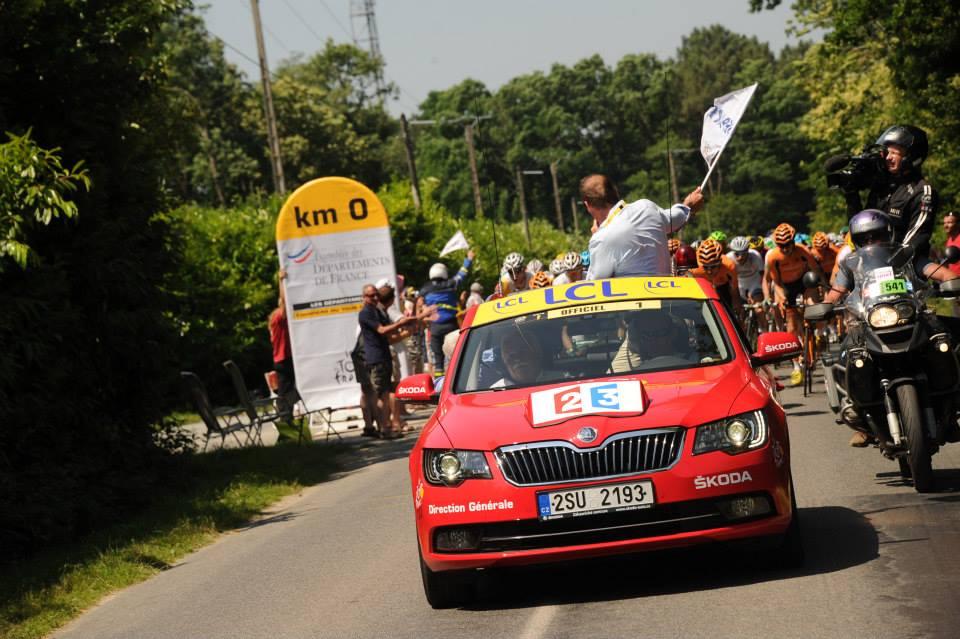 Pourquoi les Škoda du Tour de France sont-elles immatriculées en Tchéquie ?