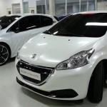 Peugeot_208_HYbrid_FE_01