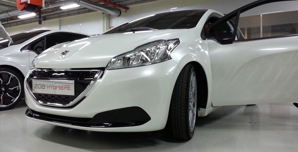 Peugeot_208_HYbrid_FE_03