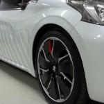 Peugeot_208_HYbrid_FE_14