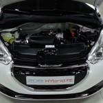Peugeot_208_HYbrid_FE_15