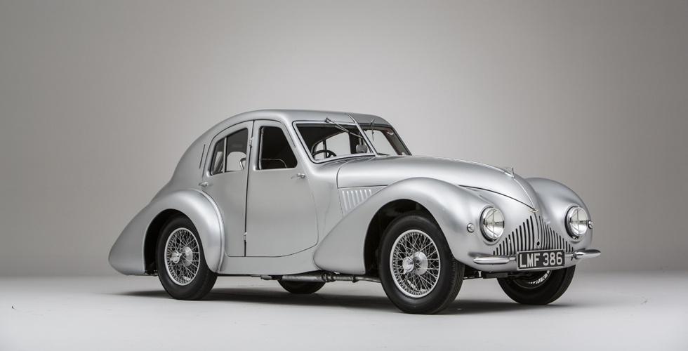 Commissaire-priseur : Aston Martin Atom