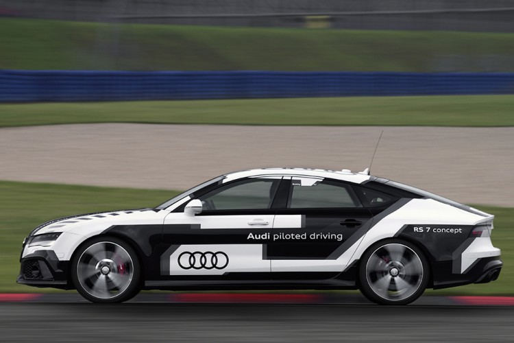 Audi_RS7_piloted_driving_02