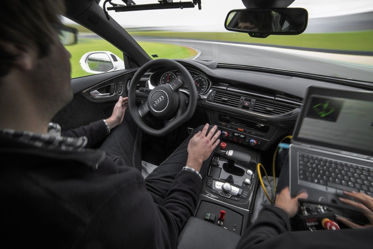 Audi_RS7_piloted_driving_03