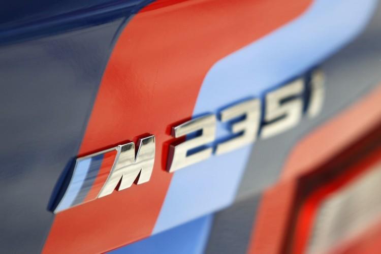 BMW_M235i_nurburgring_artcar_2014_05