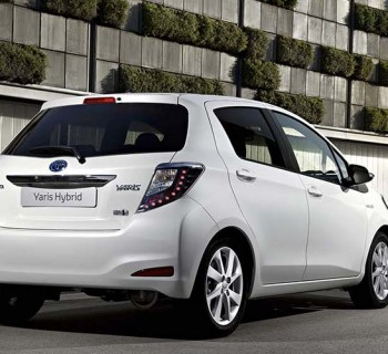 Toyota_Yaris_Hybrid_004