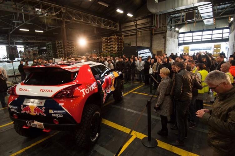 Peugeot_2008_DAKAR_RedBull_Total_15