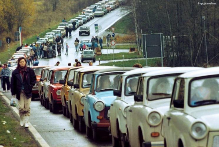 Au lendemain de la chute du mur de Berlin...
