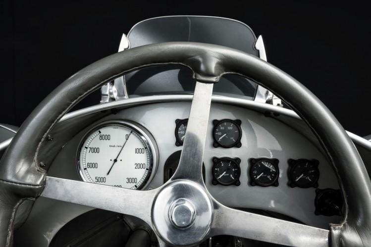 red u00e9couverte   auto union type d silver arrow 1939