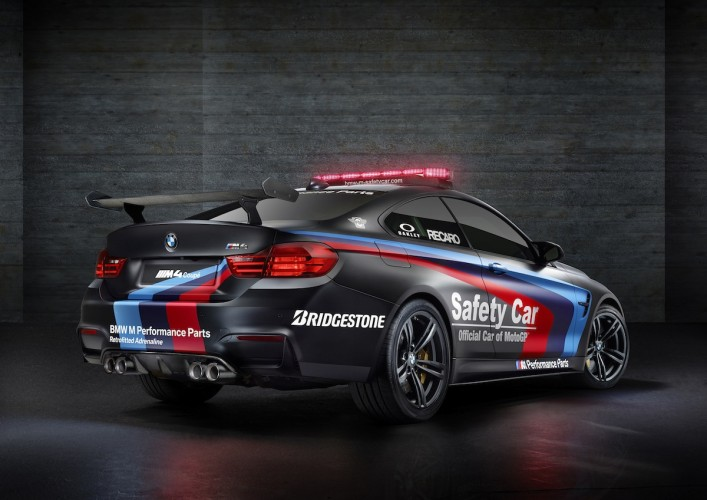 BMW M4 Coupé safety car motoGP 2015 _ 10