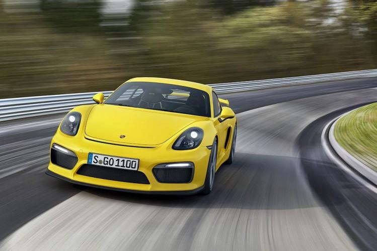 Porsche_Cayman_GT4_11