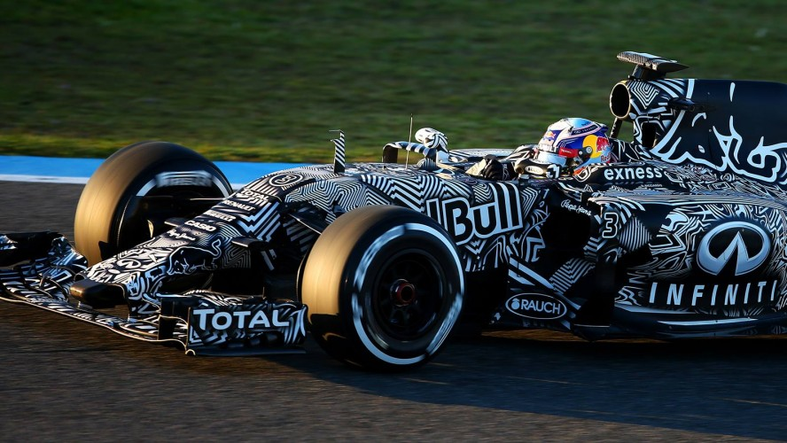 Red-Bull-Racing-RB11-2015-F1_header_04