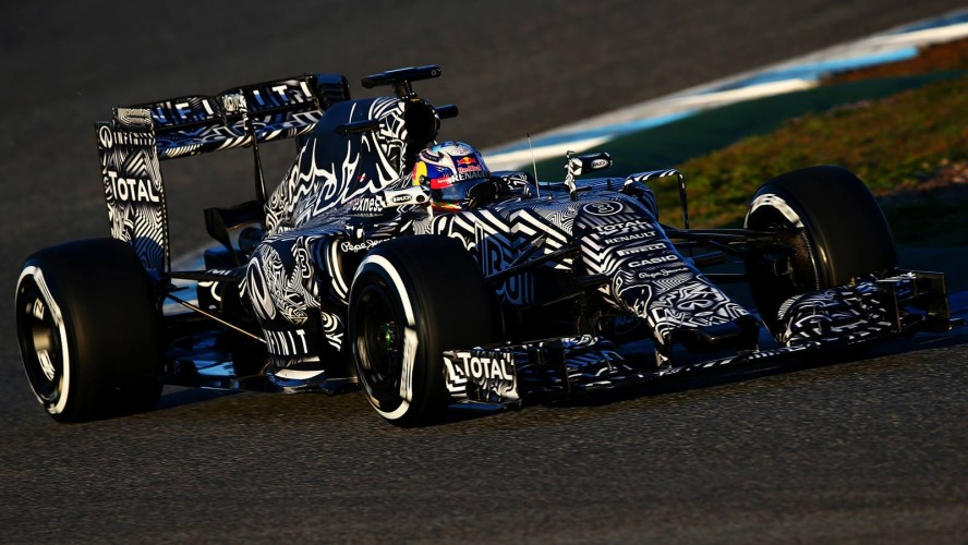 Red-Bull-Racing-RB11-2015-F1_header_06