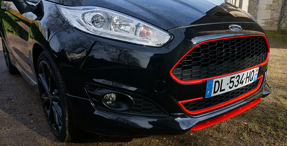 ford-fiesta-black-edition-09