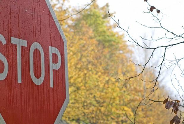 L unique panneau stop de paris - Combien de panneau stop a paris ...