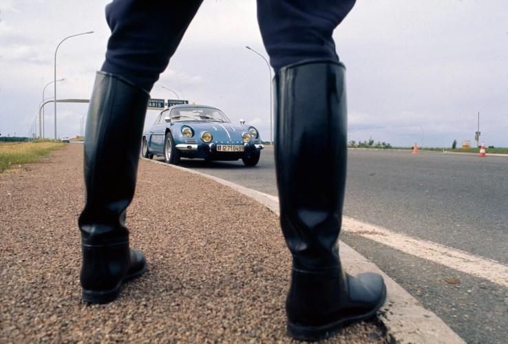 le jour o u00f9 la gendarmerie est pass u00e9e  u00e0 l u2019alpine a110