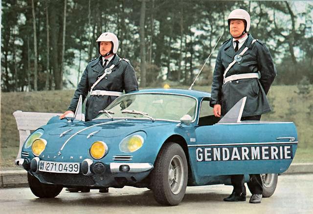 [Image: alpine-renault-A110-gendarmerie-03.jpg]