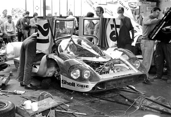 le mans porsche garage teloche 1971 - 04