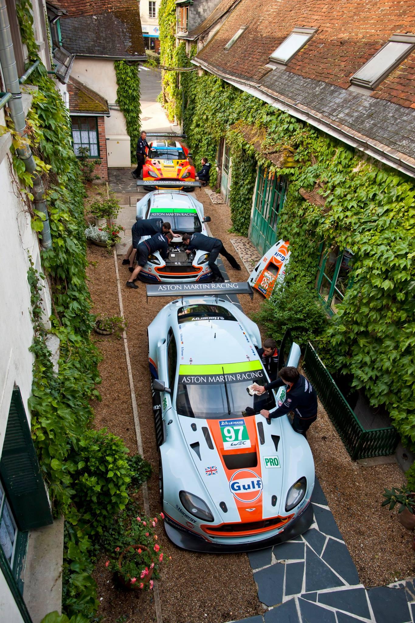 Le Mans - Aston Martin Hôtel de France La Chartre-sur-le-Loir - 03