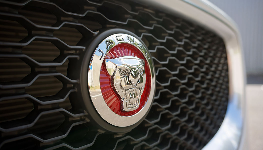 jaguar-xe-logo-embleme