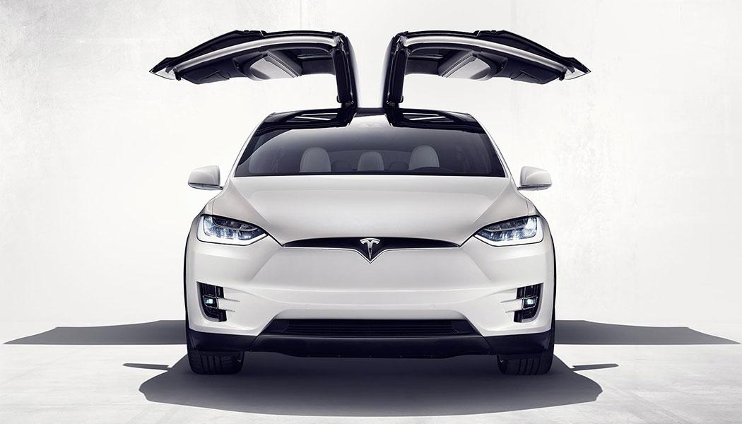 Tesla Model X : sauver le monde ou s'en sauver ?