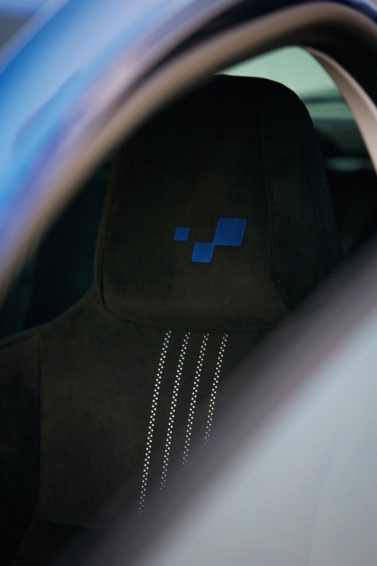 Renault Megane GT 2016 - Photo intérieur, siège avant, logo Renault Sport brodé