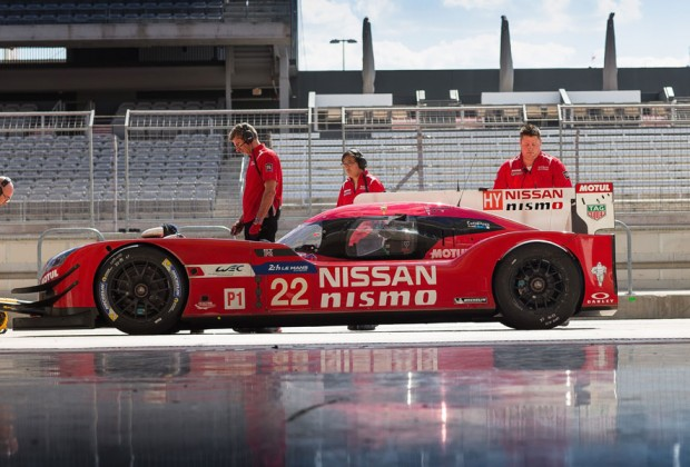 nissan-gt-r-lm-nismo-stand