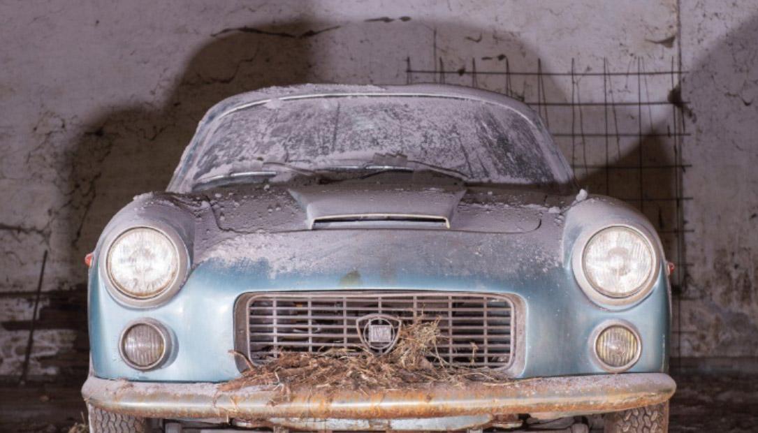 Les sorties de grange existent toujours : Lancia Flaminia Sport Zagato 2800