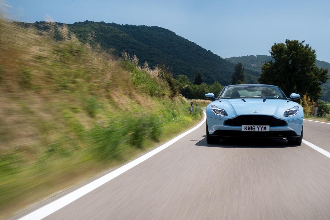 Aston Martin DB11: l'héritière