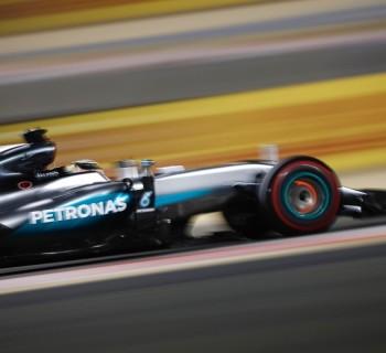 Mercedes Photo agence Dppi - HAMILTON Lewis (GBR) Mercedes GP MGP W07 Bahrain Grand Prix 2016 - Photo Frederic Le Floch DPPI