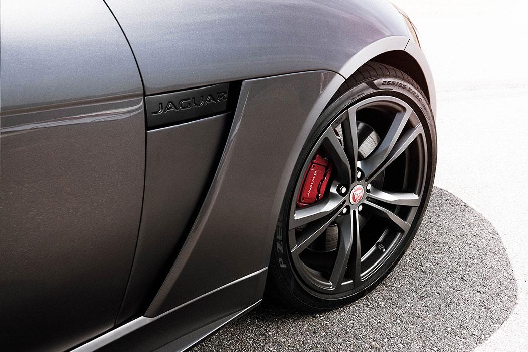 jaguar-f-type-svr-cabriolet-01-6
