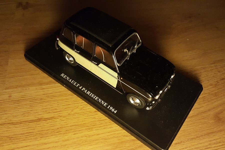 renault-4-parisienne-auto-vintage