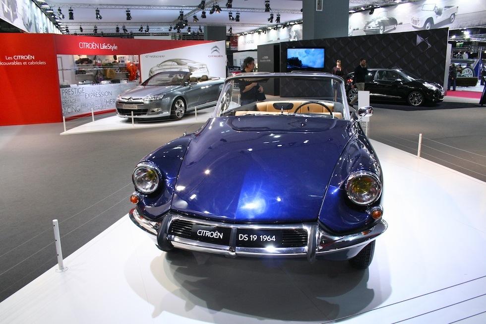 Retromobile : visite du stand Citroën