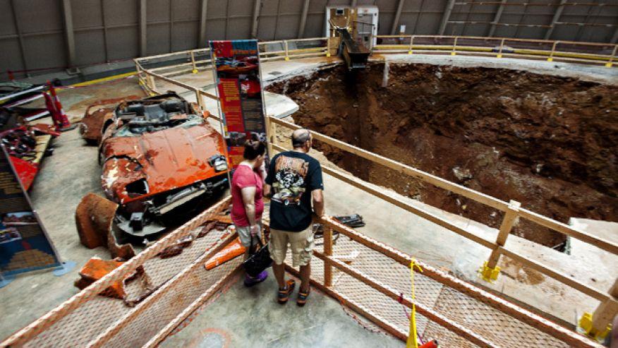 Le trou du National Corvette Museum va disparaître