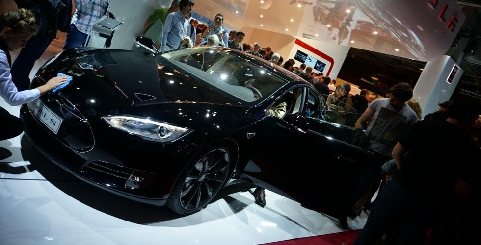 Tesla embobine le Mondial !