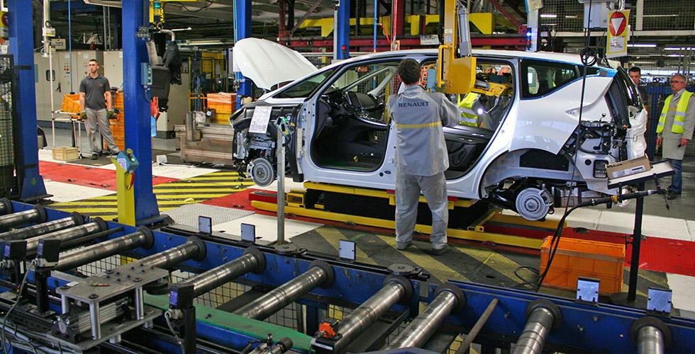 Découverte : dans l'antre de l'usine Renault Douai