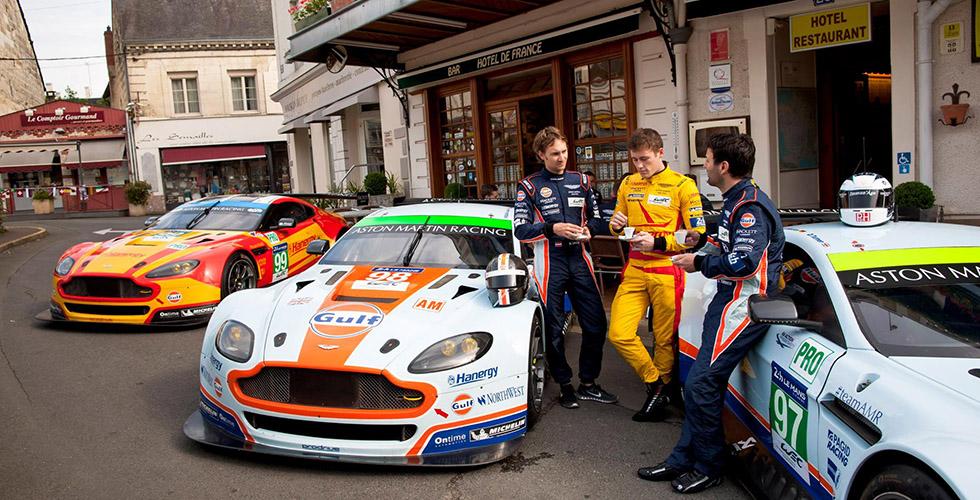 Le Mans : Aston Martin à l'Hôtel de France, La Chartre-sur-le-Loir
