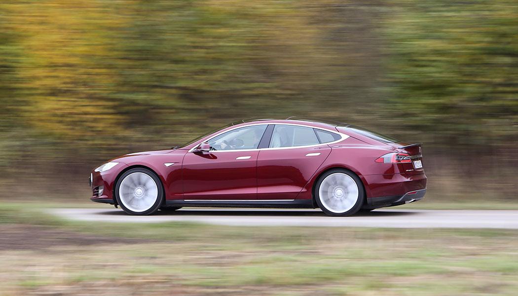 Tesla accélère sur l'autonomie