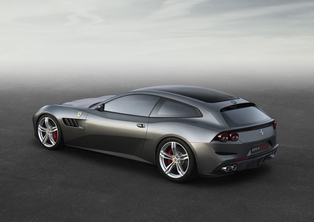 Ferrari mélange une 365 GTC/4 et une 250 GT Lusso
