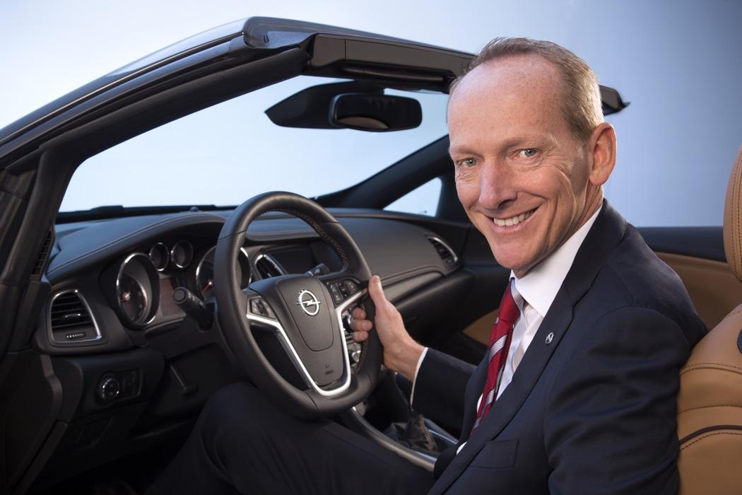 Opel présente sa nouvelle voiture
