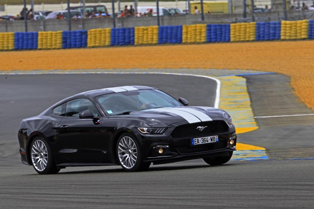 Un tour du Circuit des 24 Heures du Mans en Ford Mustang