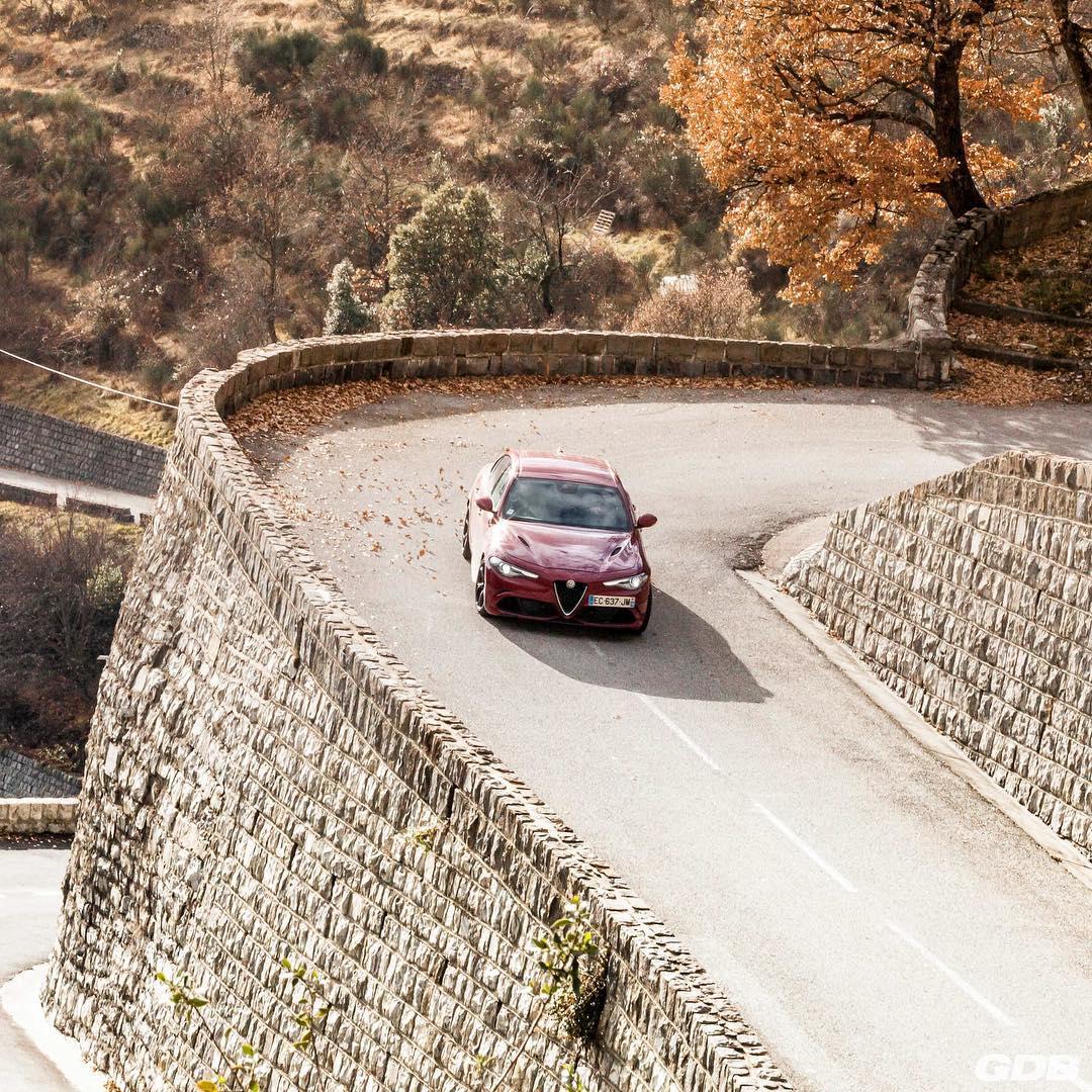 Roadtrip : 2500 km au volant de l'Alfa Romeo Giulia Quadrifoglio