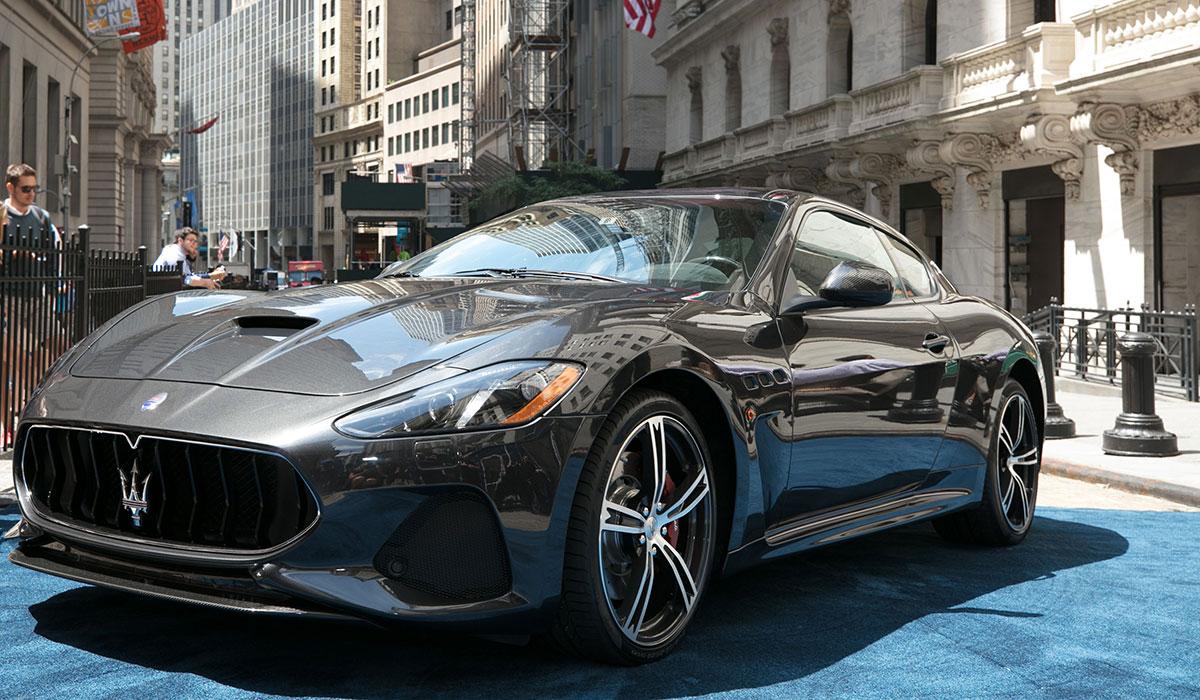 Une Maserati GranTurismo à Wall Street