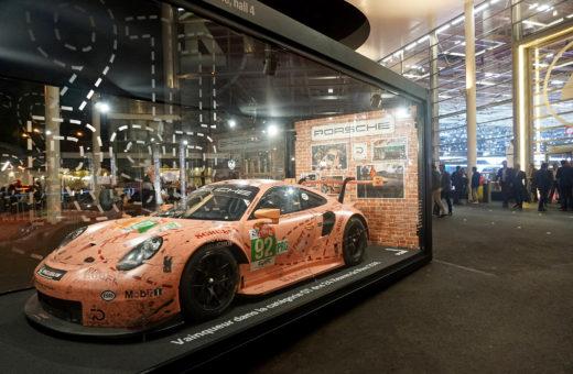 Mondial de Paris 2018 : la Porsche 911 RSR Pink Pig dans la boîte